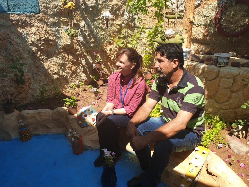 Stephanie Hunt with one of the 2019 garden competition entrants in Gawillan camp, KRI